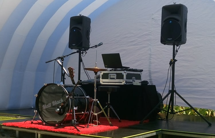 wedding musician melbourne corporate events entertainment singer guitarist dj 3 x 3 daytime