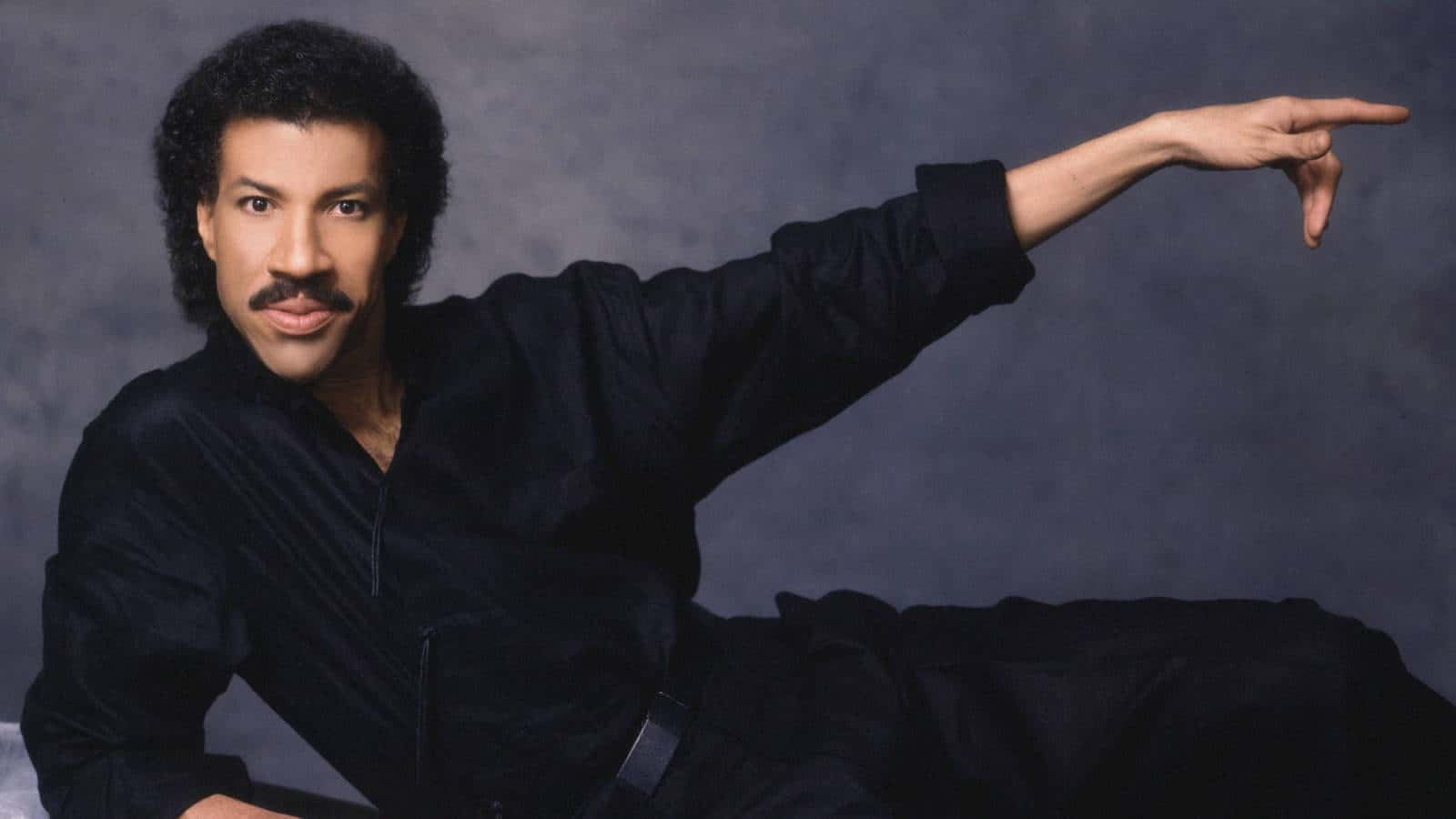 lionel-richie-all-night-long-wedding-dj-melbourne-playlist