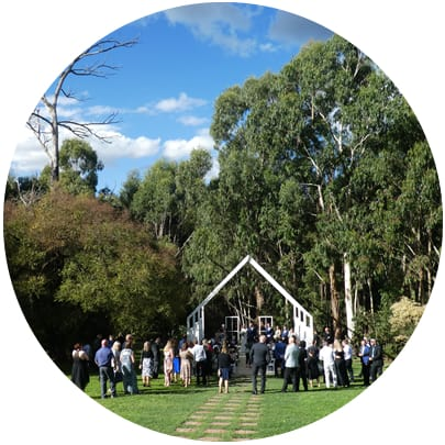 laura and mark wedding yarra valley estate acoustic duo and dj